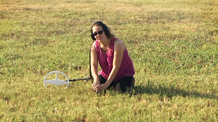Women Metal Detecting